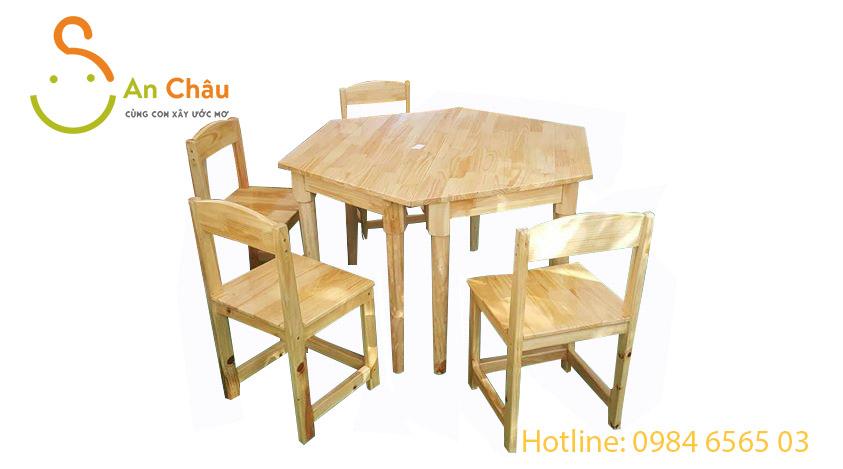 bàn gỗ thông hình thang