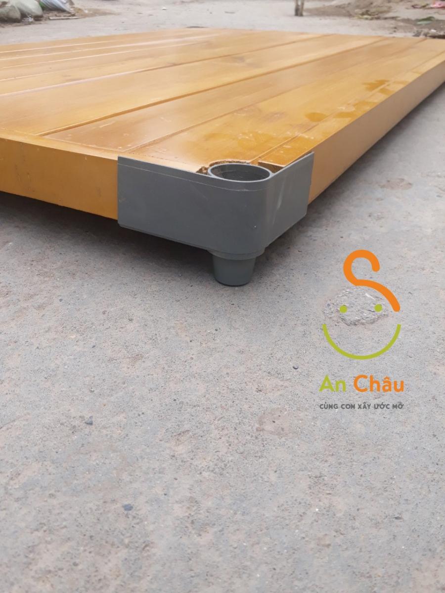 phản gỗ thông có góc nhựa